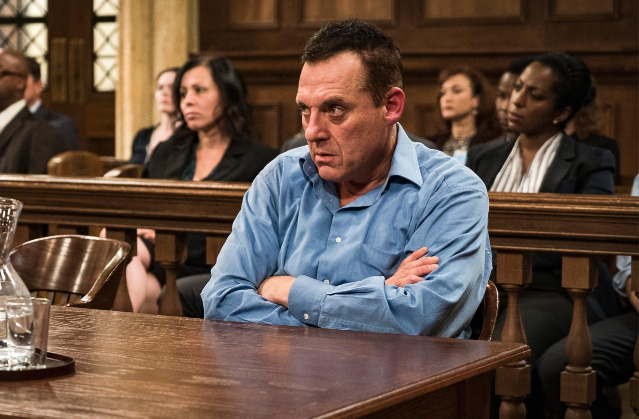 //tom sizemore bizarre behavior movie set pp