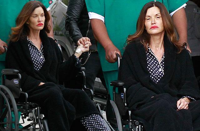 //janice dickinson breast cancer wheel chair hospital pp