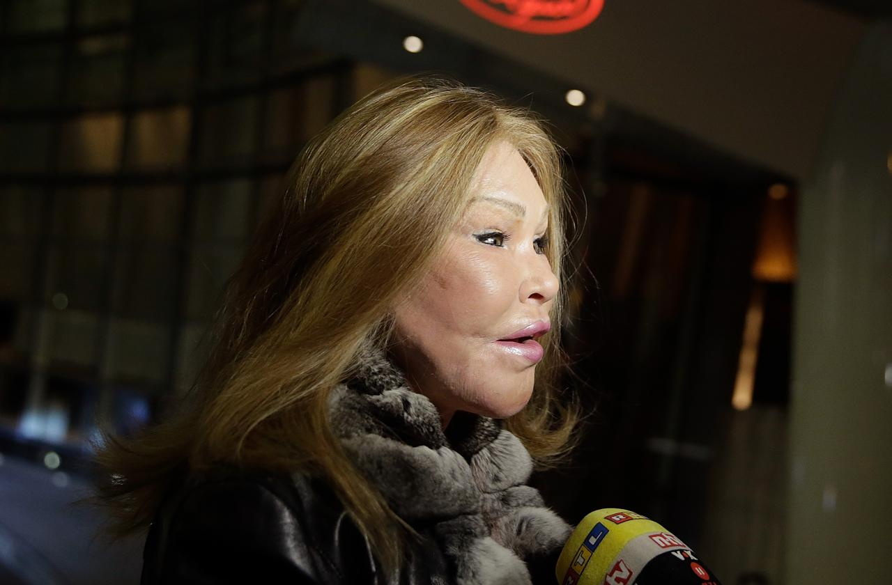 //catwoman jocelyn wildenstein accused of losing k worth of jewels pp